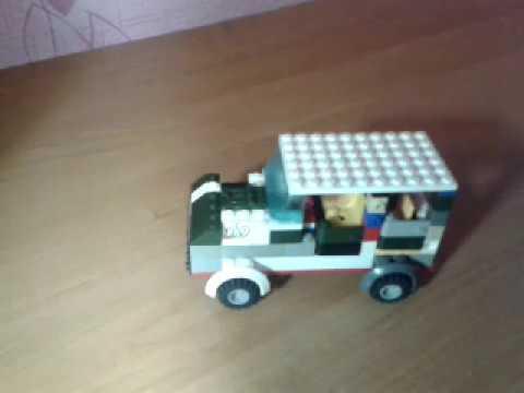 Модель LEGO автомобиля