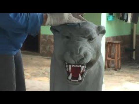 Escultura em concreto de Onça Preta - Black Panther concrete statue