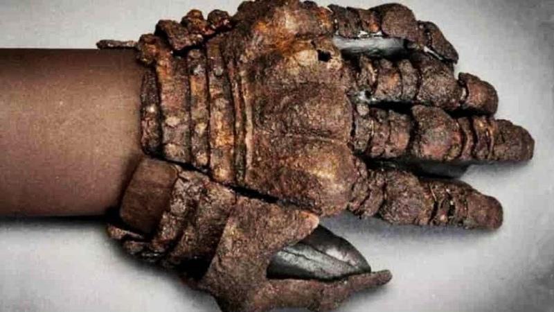 Загадочное захоронение целой семьи, которой 2500 лет. Самые необычные находки