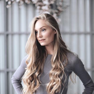 Яна Шляхецкая