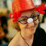Кто как украшает елочку — сценка на Новый год