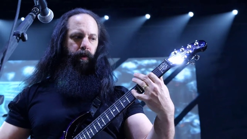 Petrucci Playing some sick guitar riffs 2020