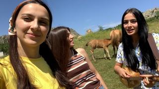 Trio Mandili - Mudam shen mekvarebi (I will always love you)