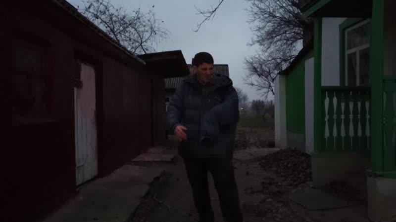 У Эльдара Богунова в руке кот пописал
