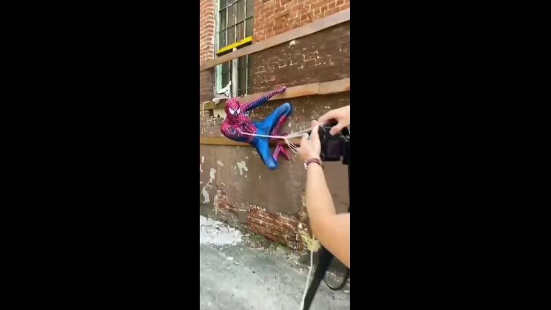 Фотосессия с Человеком-Пауком