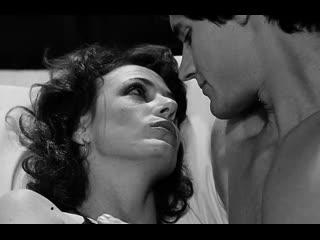 ПОРНО ИНЦЕСТ -- МАТЬ ДАЛА СЫНУ СЕБЯ ЛАСКАТЬ -- семейное порно на русском языке --  1982