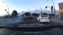 Мужчина пытается бежать после того, как перевернул украденную машину полицейского ViralHog