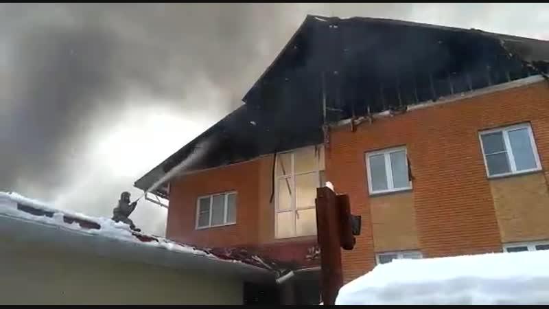 Крупный пожар в Новосибирской области взорвался баллон с газом