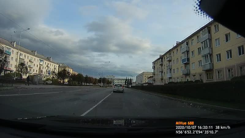 Р794ОТ 24RUS Выезд на полосу встречного движения 07 10 20
