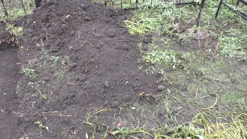24 11 2020 В Батайске на кладбище Красный сад произошла попытка очередного незаконного захоронения