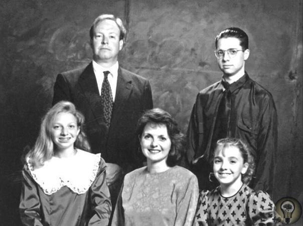 Семейное фото Шрутов, сделанное незадолго до того, как почти все они умрут