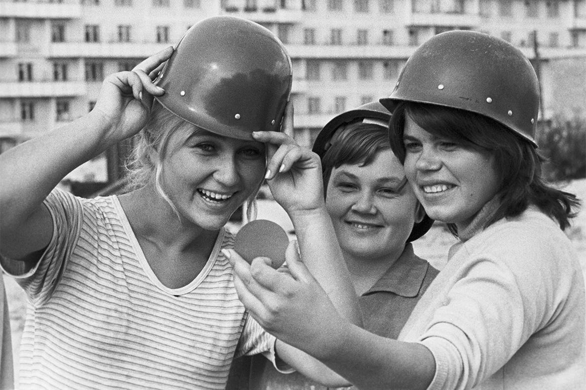 Когда не было айфонов, а были обычные зеркальные фотоаппараты.