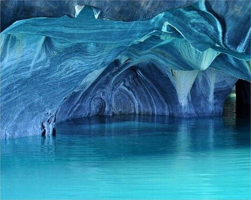 На границе между Чили и Аргентиной находится одно из самых красивейших мест нашей планеты - Мраморные пещеры Чиле-Чико, изображение №7