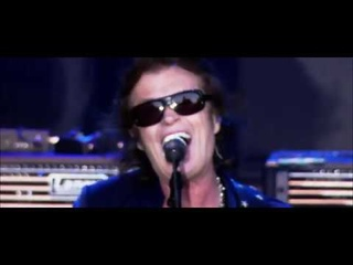 """Black Country Communion: """"Cold"""" - Live Over Europe"""