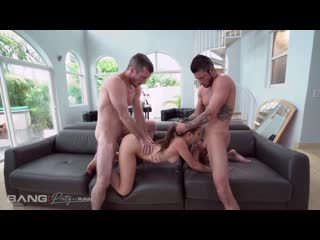 [Bang] Bailey Base - Bailey Base Has A Threesome For The First Time