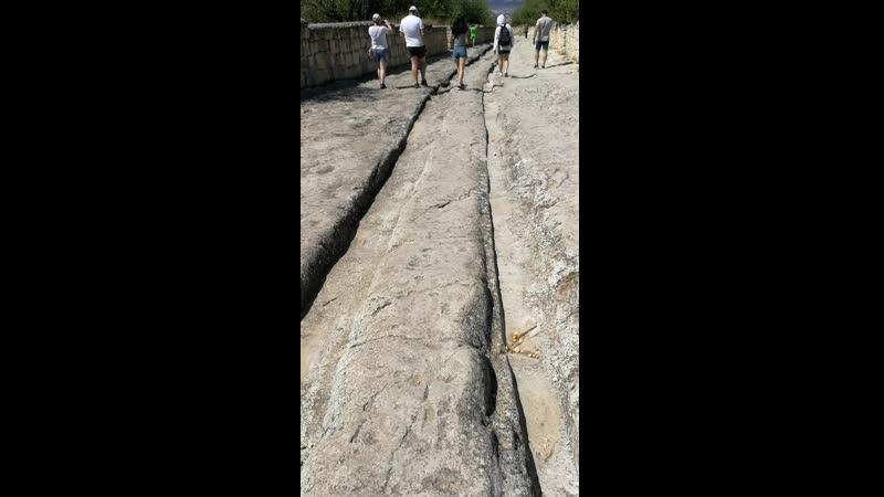 Чуфут кале Бахчисарай храм древний поселения дорога из камня