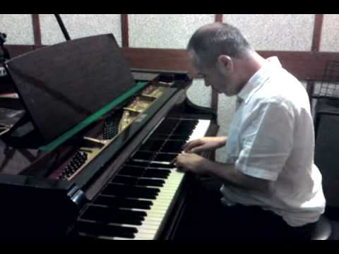 Haim Shapira (PIANO) plays OBLIVION by ASTOR PIAZZOLLA