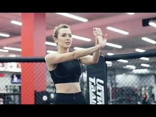 Первая тренировка Ксении Сухиновой по боксу