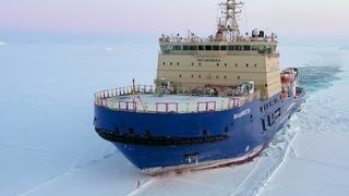 Ледокол «Владивосток» обеспечил проводки на архипелагах Земля Франца-Иосифа и Новая Земля