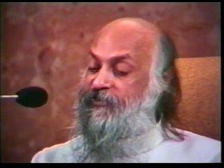 """Ошо - Ответ на вопрос о книгах Ошо и о саньясе - """"Я глубоко интересуюсь твоей работой Бхагван"""""""