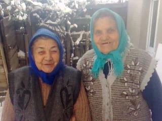 Бабули готовятся к новому году... ))