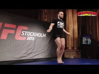 UFC on FUEL TV 9: открытая тренировка (HL)