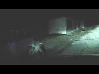 """Гопота крушит машины всем подряд в Донецке битами с криками """"Вы все хохлы-""""бандеровцы"""""""