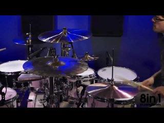 Дуэт на ударных играет заставку к сериалу с Уиллом Смитом Принц из Беверли Хиллз A duo on drums plays The Fresh Prince of Bel Air