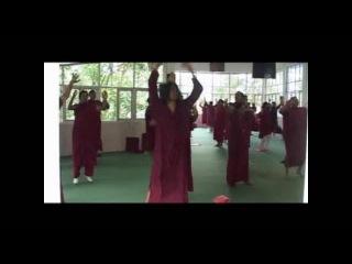 Swami Anand Arun instructs Osho Dynamic Meditation