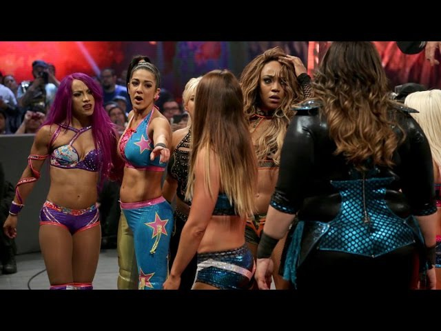 WWE RAW 05 02 17 Alexa Bliss Nia Jax Alicia Fox Emma vs Bayley Sasha Mickie James Dana Brooke