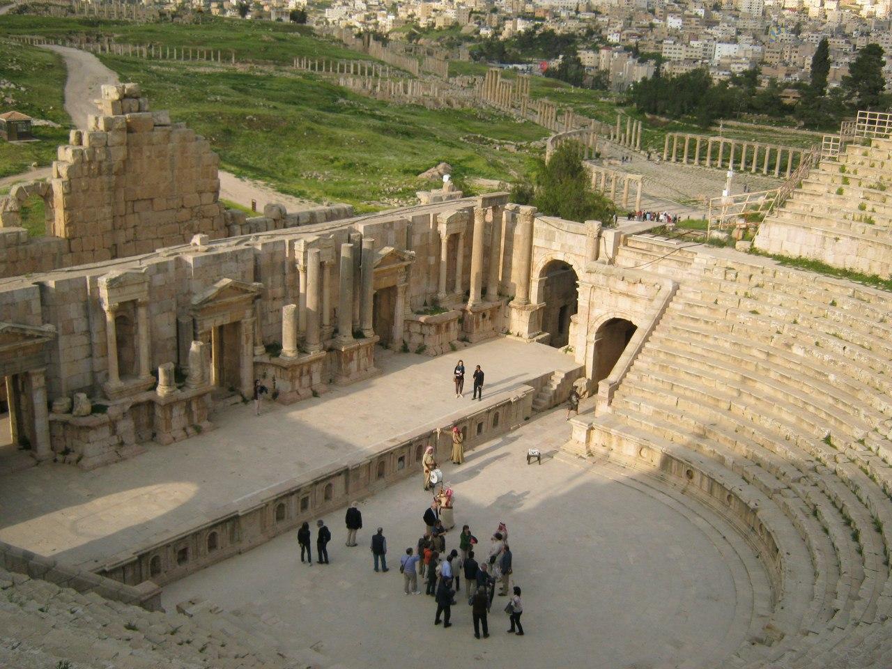 Южный амфитеатр в древнем городе Джераш