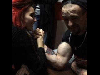 "@shatun_tattoo_studio on Instagram: ""Сиськи @needle_fff vs бицак @alessandro_brutto #shatun_birthday_party"""