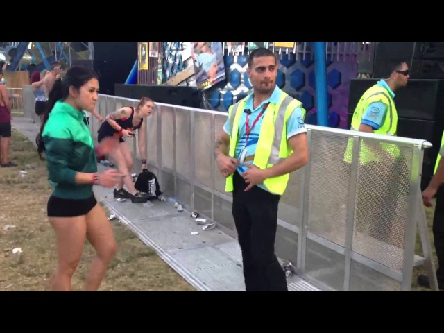 Gabber sesh with security guard at Defqon