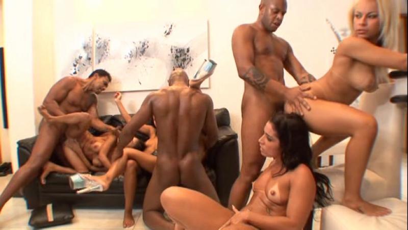 brazilskaya-orgiya-video-eroticheskie-foto-super-visokogo-razresheniya