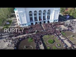 Ukraine: Drone shows thousands attending funeral of DPR fighter 'Motorola'