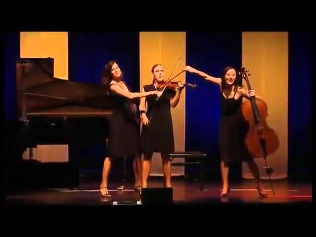 Un Quartetto Musica Classica esegue Vivaldi in una performance divertente e stravagante
