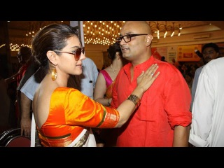 Spotted: Kajol At Durga Pooja 2015 Pendal