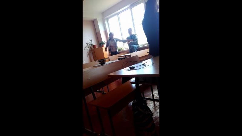 3 Лутшый прыкол Юляся Пиздит Ярика