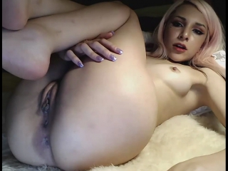 Beautiful Teen Showing Incredible Butthole Pussy & Feet