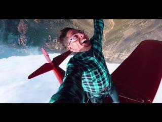Wing Walker Jumps from Airplane - Wing Walking Stunts!