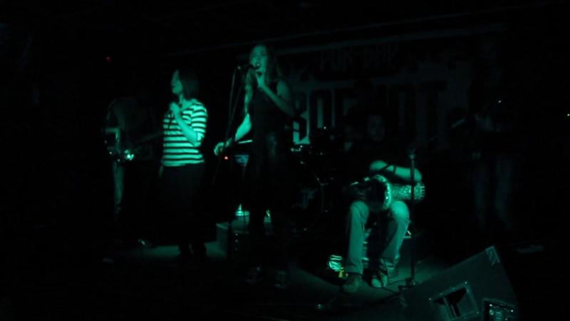 Qantabrika Ushti Babo Live Rockot
