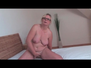 Naked old chick masturbates her hairy cunt mature porn