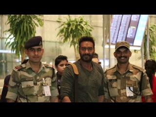 Ajay Devgn & Kajol SPOTTED With Their Kids At Mumbai Airport