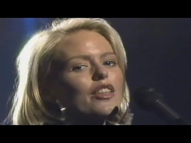 EIGHTH WONDER - Cross My Heart (Tv Show 1988) HQ