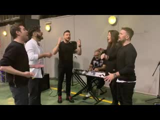 Сергей Лазарев провел репетицию с бэк-вокалистами