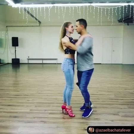 Salsamalsa Dance Videos on Instagram RepostSave @azaelbachatafever with @repostsaveapp ・・・ Bachata Sensual 🔥 🔥 with @sindibachatafever Bachata R