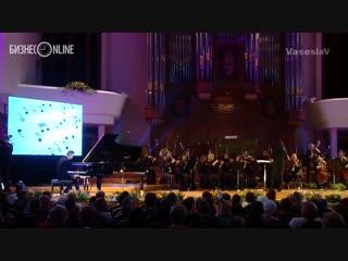 Алексей Романов: пианист без рук  Комментарии иностранцев