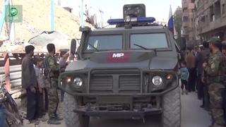 Сирия ФАН публикует видео передвижения колонны российской военной полиции в городе Дума