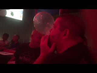 Pattaya soi diana 2_1-2019 ferdinand bar blow condom competition big party
