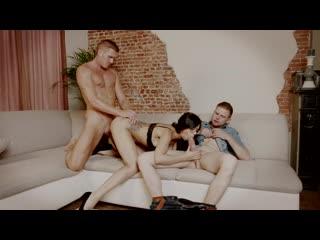 Mariska The Perfect Maid (Julia De Lucia, Sexy Susi, Marc Rose, Mariska)